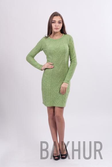 Облегающее вязаное платье